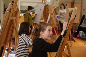 Easel-ly Arty 2021 – tutored kids drawing workshop – come and draw with us !